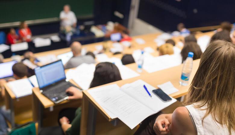 Becas de estudio para Universitarios